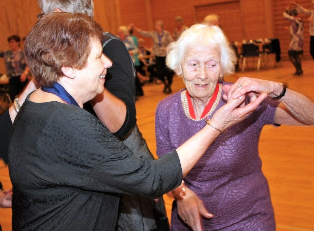 Eva Nilsen og Assa Hovin (86 år)