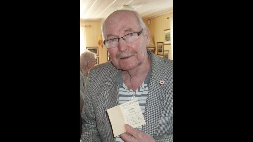 Bjarne Saltnes - fra 1.mai i 2012, da han fikk utdelt gullmerke fra Arbeiderpartiet (Foto: Privat)