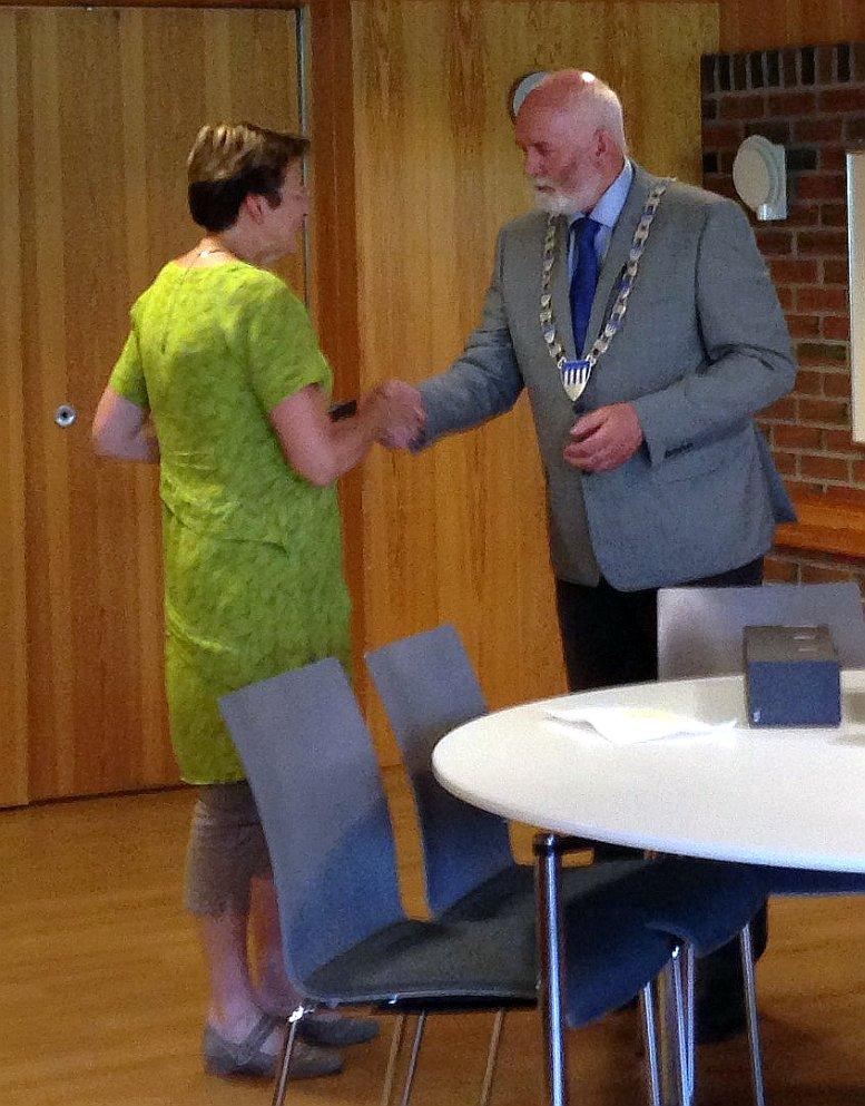 Marit Bodil mottar gullur etter 30 år i Skaun kommune