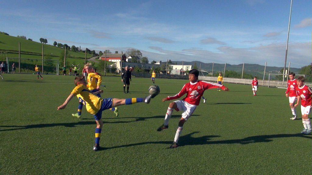 Fotball er en av idrettene du kan være med på under kombicupen i april (arkivfoto fra en tidligere kamp på Moan. Foto: Gunnar Reitan)