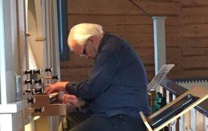 Organist i Skaun takker av etter 44 års tjeneste