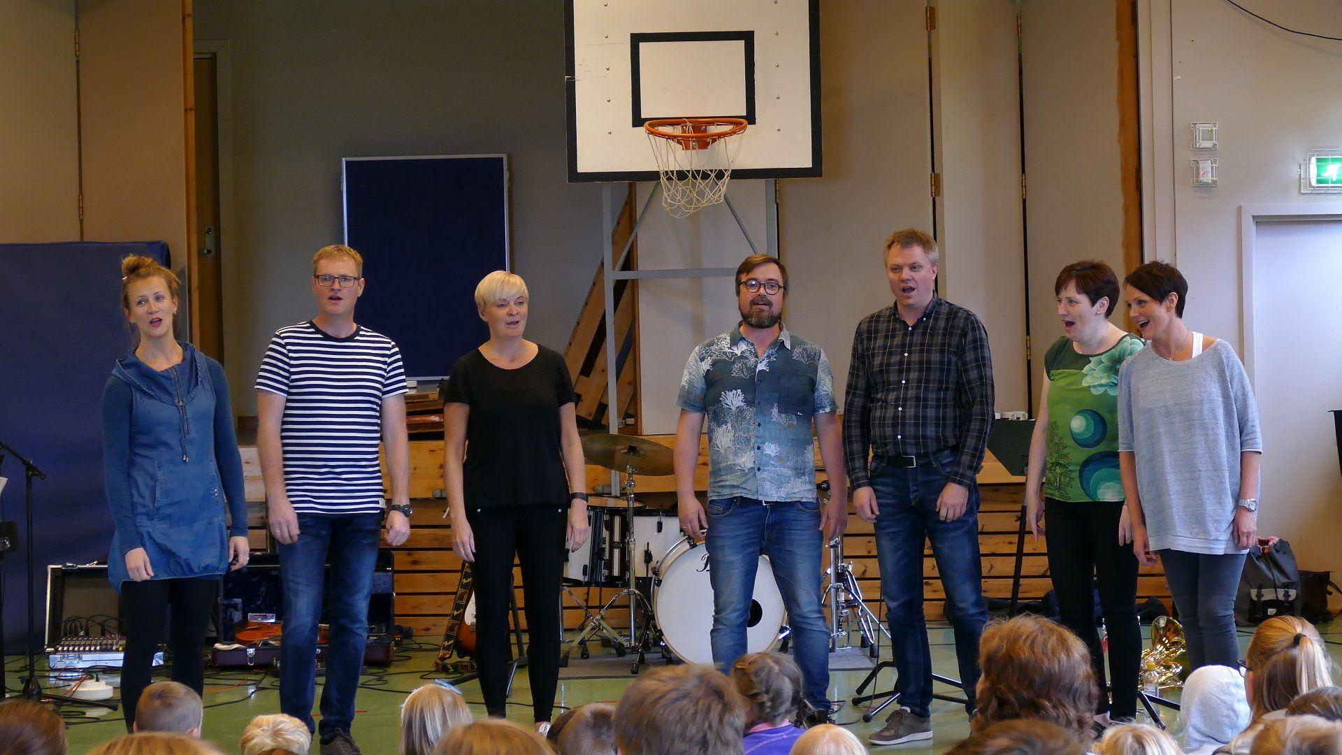 Lærerne på Skaun kulturskole: (f.v): Ingrid Synnøve Østvang, Sturla Eide, Hege Segtnan, Truls Rønning, Edvin Langmo, Karianne Røe og Trine Segtnan. Einar Mellingseter var ikke tilstede da bildet ble tatt.