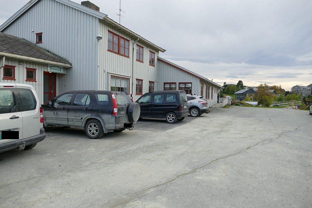 I dette huset på Årvak utføres det livsviktig helsehjelp nesten hver eneste dag.