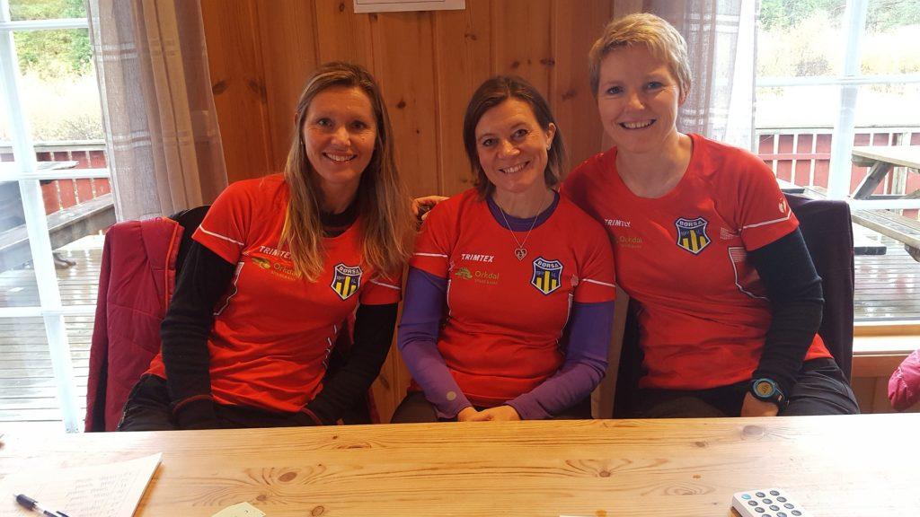 (f.v) Ingrid Gagnås, Beate Jansson og Berit Myren i Børsa IL er fornøyde med vel gjennomført Julvollmarsj 2017 (Foto: Privat)