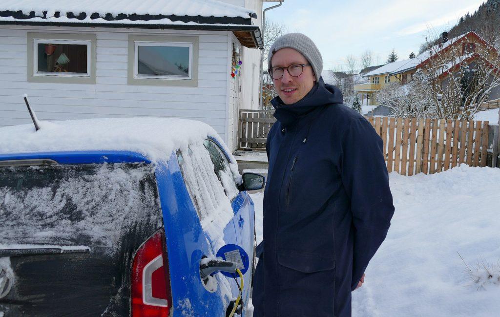 Audun Støren synes det er positivt at det nå planlegges hurtigladere for elbil i Skaun.