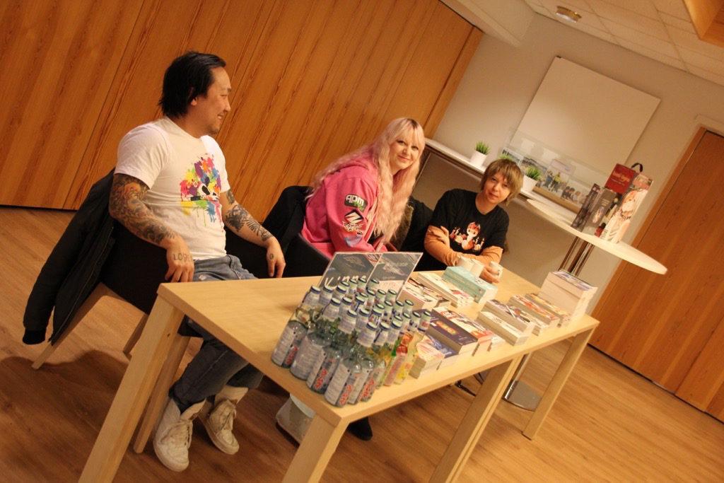 Kim Hikaru, daglig leder Outland, Andrea Busch og Ina Jæger (foto: privat).