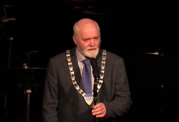 Ordfører Jon P. Husby stod for åpningen av vinterkulturuka 2015